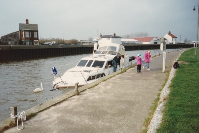 We cruised via Acle Bridge to Great Yarmouth, mooring up at the Yacht Station at close to low tide